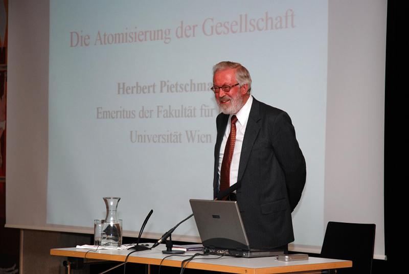 Herbert Pietschmann im Haus der Begegnung der Diözese Innsbruck