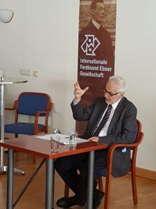 Dr. Erhard Busek beim Vortrag